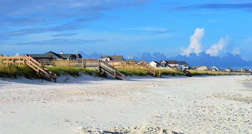 beach-2405600_960_720.jpg
