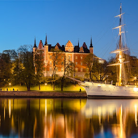 Night in the City by D L - City,  Street & Park  Night ( water, exposure, nordic, sweden, stockholm, europe, church, scandinavia, ship, travel, long, panorama, sun, baltic, city, lights, midnight, night )