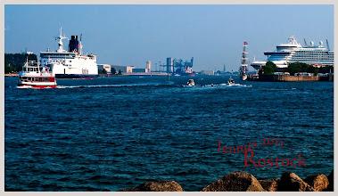 Photo: Hafenausfahrt von Rostock Warnemünde