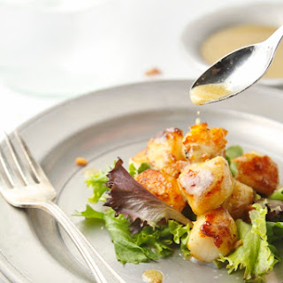 Seared Scallops with Creamy Bacon Vinaigrette
