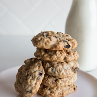 How To Make Soft & Chewy Oatmeal Cookies.