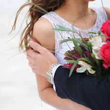 Wedding photographer Alena Pokidova (EkaPokidova). Photo of 14.10.2015