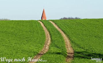 Photo: Wege nach Hause ...  - Dorfkirche in Mecklenburg