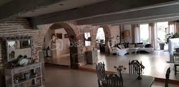 Maison 7 pièces 363 m2