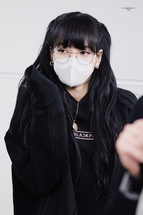 lisa black 32