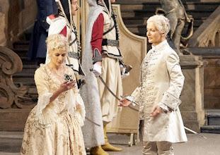 Photo: DER ROSENKAVALIER am 6.12.2015. Chen reiss, Stephanie Houtzeel. Foto: Wiener Staatsoper/ Pöhn