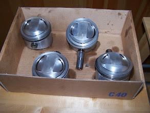 Photo: pistons Wiseco 74mm (cylindrée montée de 998cc à 1135cc)