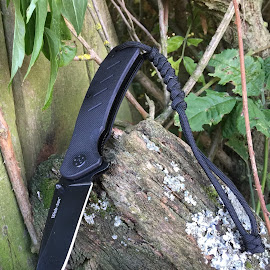 by Bela Paszti - Instagram & Mobile iPhone ( paracord, eu, knife, uk, pocketknife, survival, black, hiking, iphone )