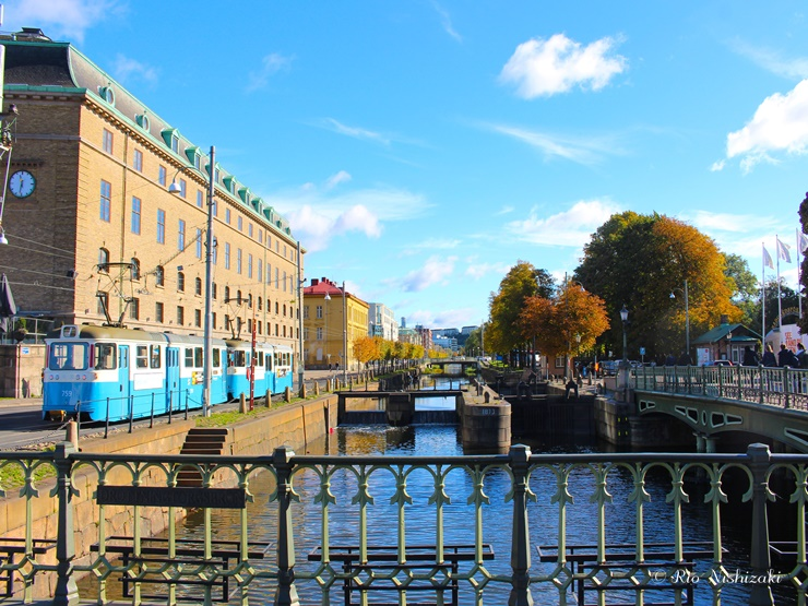 【世界のカフェ】スウェーデンで見つけた巨大シナモンロールが食べられる老舗カフェ・フサーレン(Café Husaren)