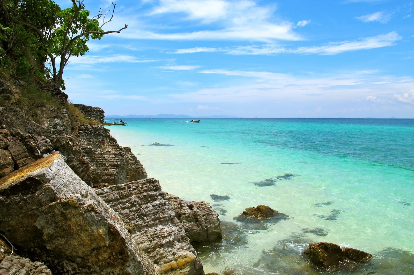 Phi Phi Island Snorkeling Tour to Maya Bay & Bamboo Island from Lanta