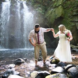 The Bond by Justin Quinn - Wedding Bride & Groom ( volleyball football, bruck wedding 1 )