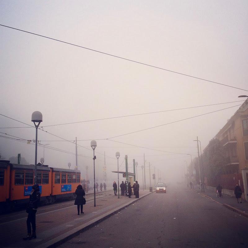un'ordinaria mattina nebbiosa a Milano di F.O.
