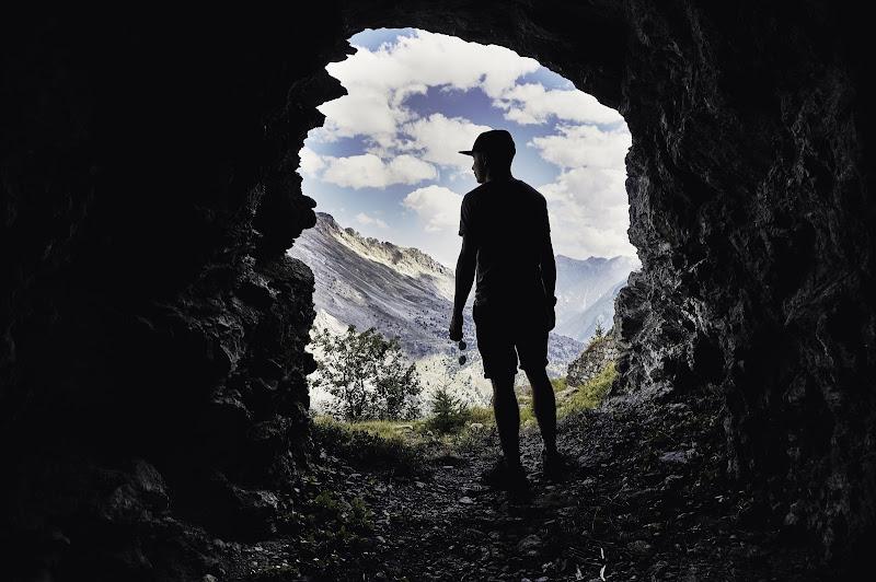 l'uomo e la montagna di RICCARDO RUATASIO