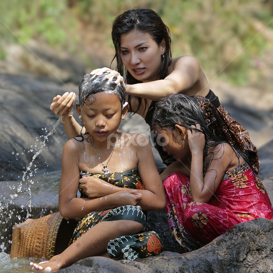 getting shower  by DODY KUSUMA  - People Family ( mom with kids )