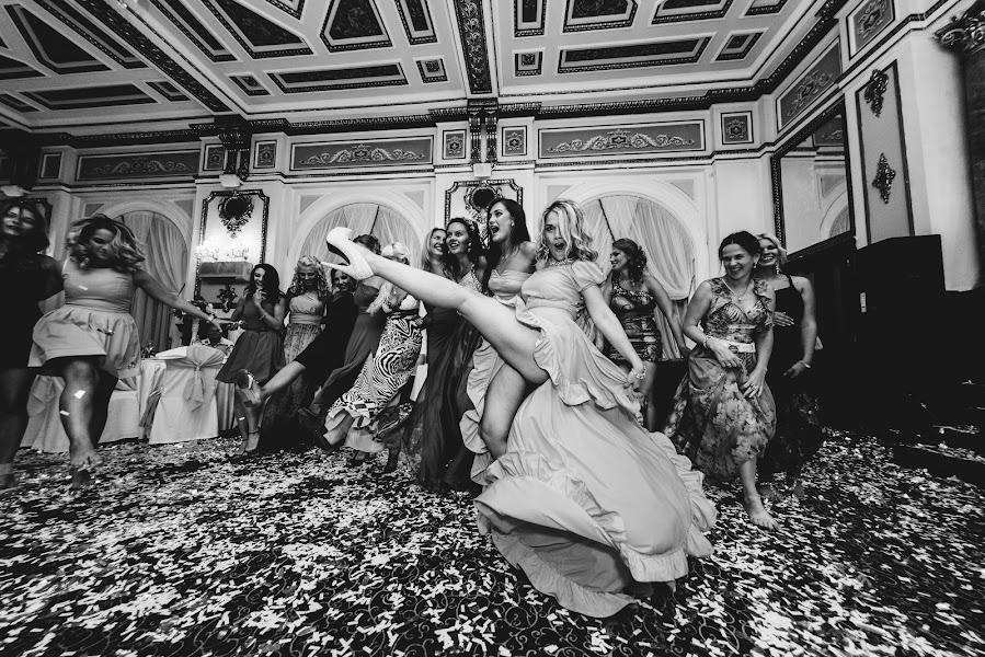 Wedding photographer Aleksandr Medvedenko (Bearman). Photo of 31.03.2016