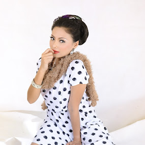 Polka Dot Girl by Muhammad Fairuz Samsubaha - People Portraits of Women ( studio, fashion, naughty, polka, anat, white, dot, photography )