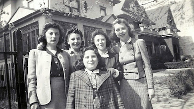 Photo: Mildred Tulman, Regina Sternbach. Ida Tous Sternbach, Kitty Sternbach, Helene Tulman