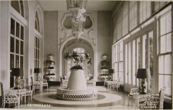 Photo: Varanda do Palácio Quitandinha. Foto de Frank Scherschel