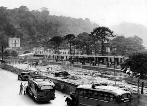 Photo: Demolição da Estação Leopoldina e construção da Rodoviária Leopoldina. Foto sem data