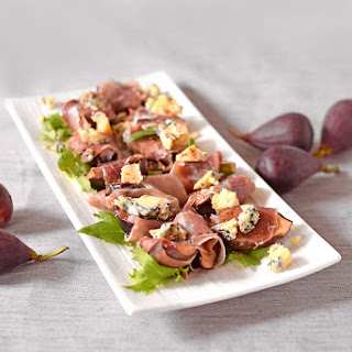 Honey Grilled Figs with Prosciutto and Blue Cheese Recipe