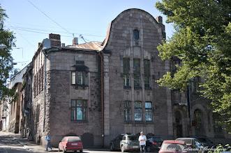 """Photo: Дом """"Хакман и Ко"""". Построен в 1909 году по проекту архитекторов К. Гюльдена (Сlas Axel Gyldén) и У. Ульберга (Uno Ullberg)."""