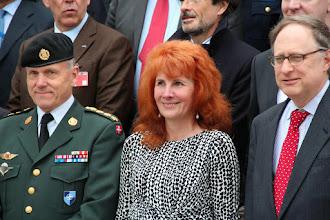 Photo: kindral Knud Bartels - NATO sõjalise komitee esimees ja NATO asepeasekretär Alexander Vershbow koos Tea Varrakuga.