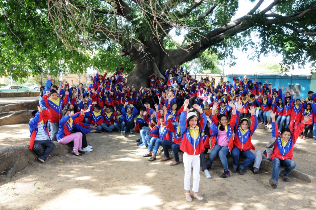 Los 207 integrantes de la selección 2015 de la Sinfónica Nacional Infantil de Venezuela reafirman su compromiso para continuar sembrando las raíces que el Sistema Nacional de Orquestas y Coros Juveniles e Infantiles de Venezuela ha echado a lo largo y ancho de nuestro territorio