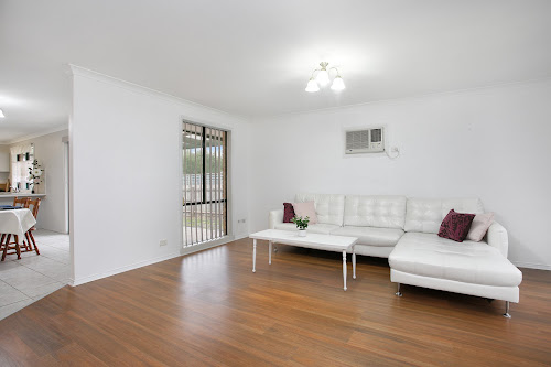 Photo of property at 19 Rundle Drive, Carrum Downs 3201