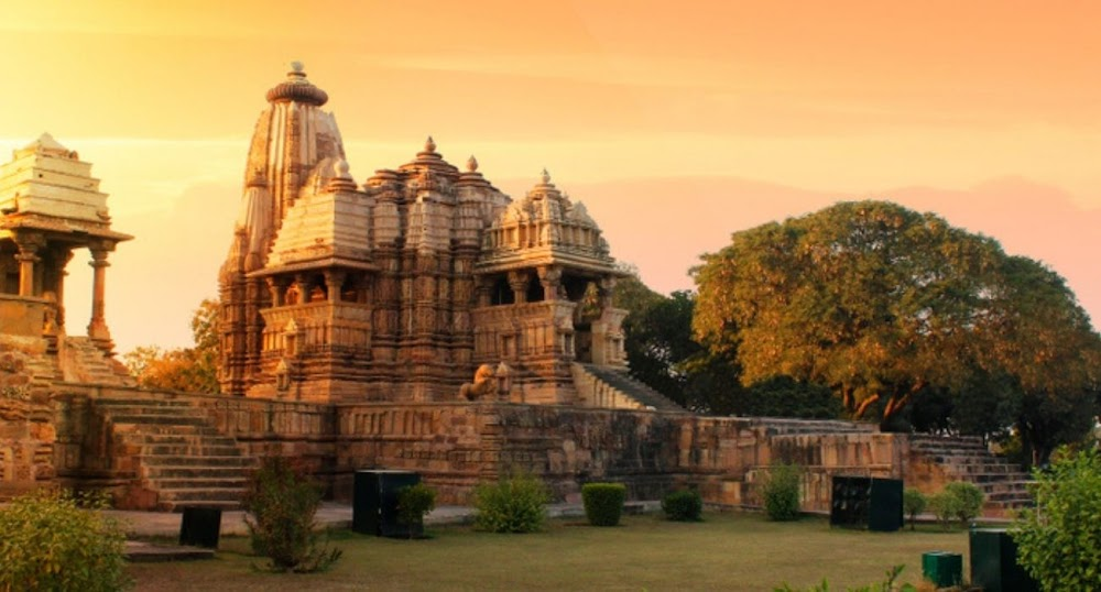 top-historical-places-india-khajuraho-temple