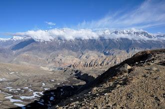 Photo: Entre le Green High Camp et le Khampa Camp (montagnes séparant le Dolpo du Mustang)