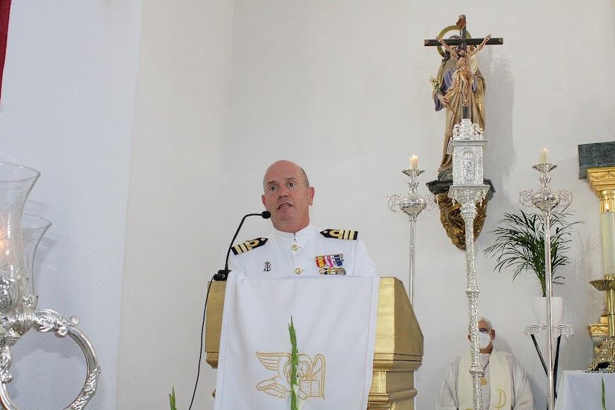 El comandante naval durante su intervención.
