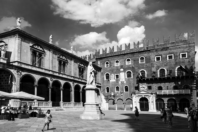Old city new generation di Simone Fortuna