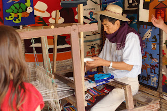 Photo: Don Jorge weaves all the taspestries by hand and by memory!