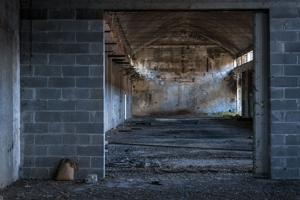 più nessuno nella vecchia fabbrica di christian_taliani