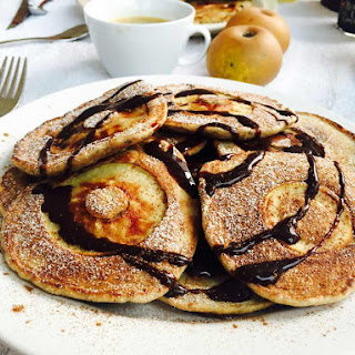 Quick Weekend Apple Pancakes