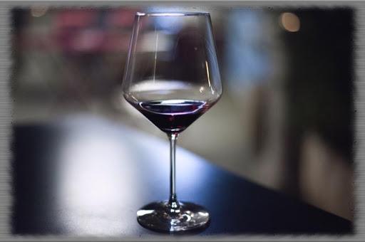Wine Glass Wallpaper