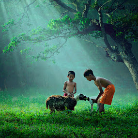 Keluarga Kambingku by Ipoenk Graphic - Babies & Children Children Candids ( children, landscape )