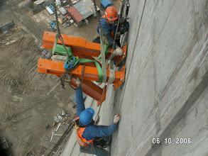 Photo: 2007 10 06 - g 11 25 - pierwsza śruba OK !