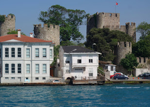 Photo: The traditional wooden houses built along the Bosphorus