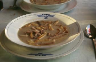 Photo: 03401 ウランバートル~二連(アルレン)/汽車/食堂車料理/ポテトチップ入り羊肉ウドン