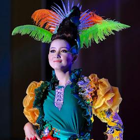 Batik modern by An'naas Sobrie Al Arif - People Fashion ( fashion, batik, indonesia, women, people )