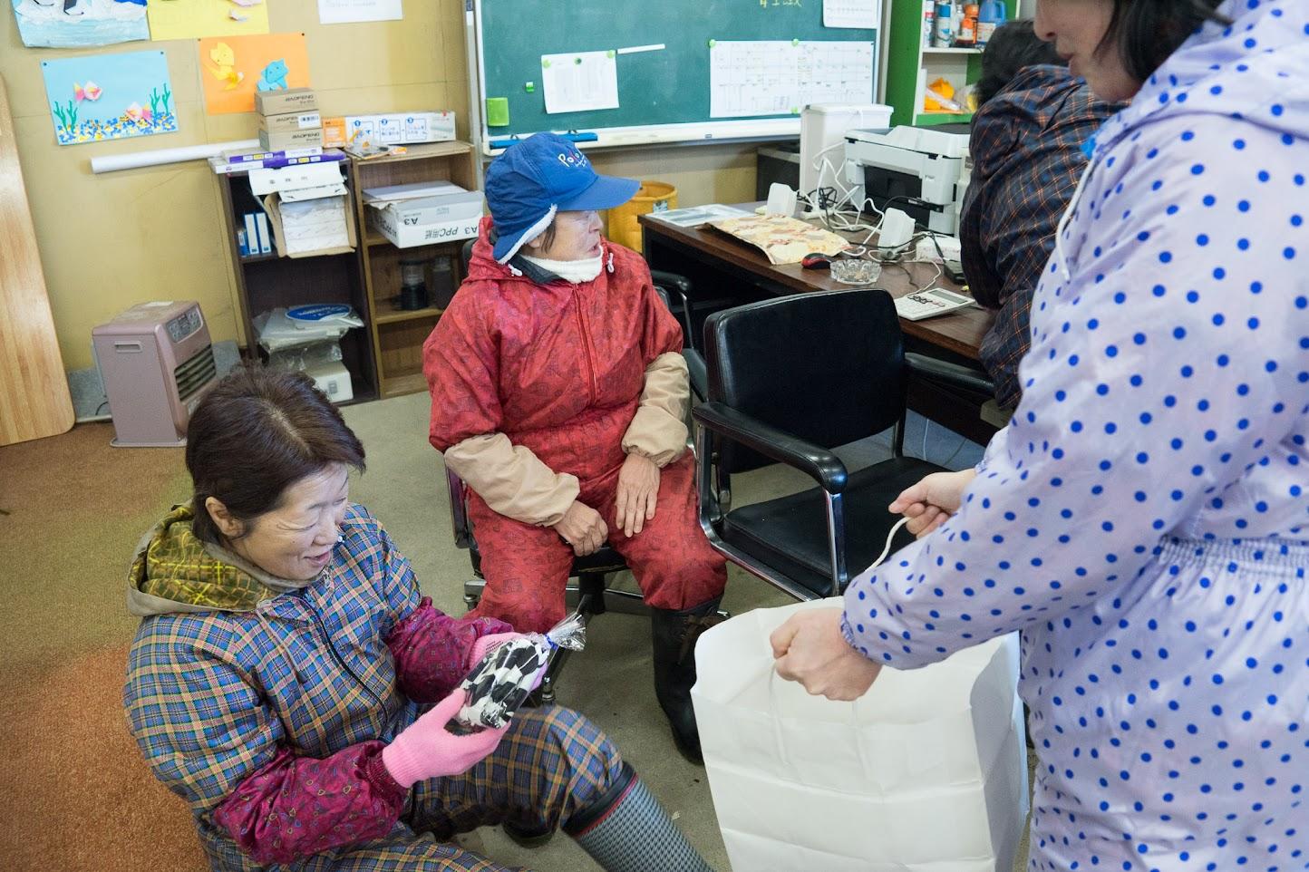 谷恵さんの手作りの「腕カバー」がプレゼントされます