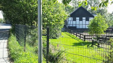 Photo: Die Ecke Tückingschulstraße/Tückinger Wald zum Hof Blankenagel an der Tückingstraße hin gesehen.