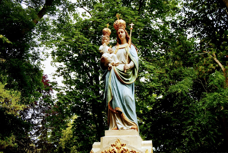 Szombathely - Szűz Mária-szobor a kálváriánál