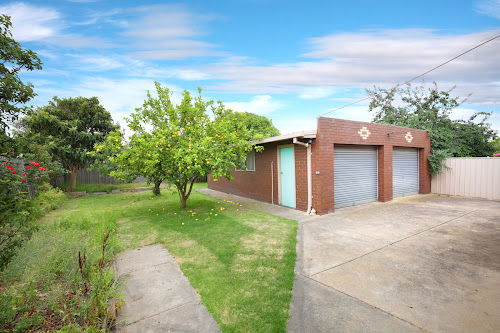 Photo of property at 44 Bruce Street, Bell Park 3215