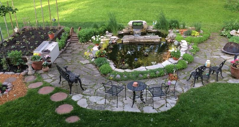 Budowa oczka wodnego w ogrodzie