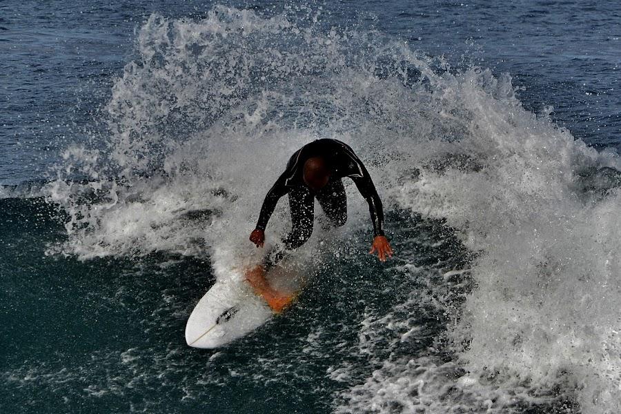 Turn by Verinda Bosch - Sports & Fitness Surfing ( surf )
