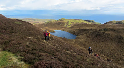 Photo: Free hillwalking vanuit Flodigarry naar Fingal's Pinnacles