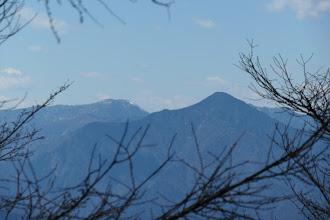 黒法師岳(左にバラ谷頭)
