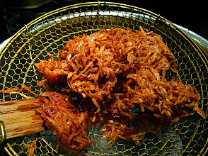 Photo: crunchy crisp-fried taro fritters